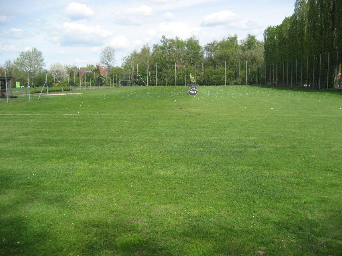 Taxandria golf golfclubs for Verlichte driving range